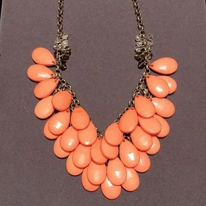 VGUC~ FACETED BEAD STATEMENT NECKLACE